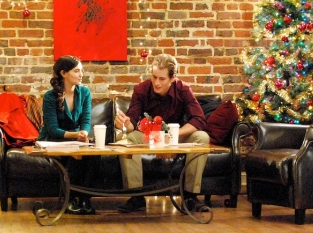 A Christmas Kiss Cast.Crashdown Com Brendan Fehr Leading Shiri Appleby