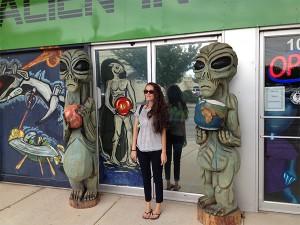 Alien shopping